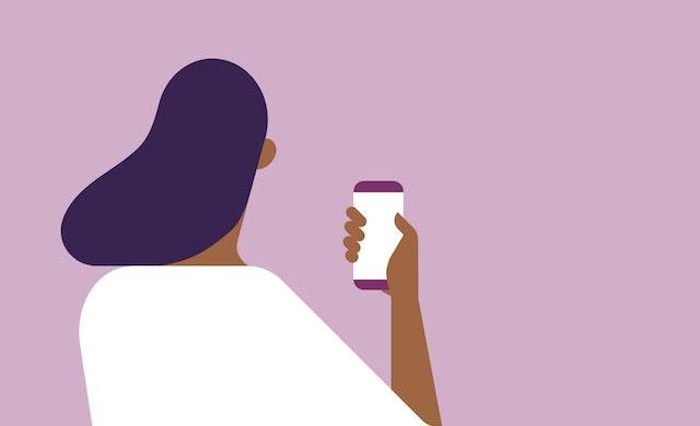 Grafiskt ritad kvinna som håller i en mobil mot lila bakgrund.