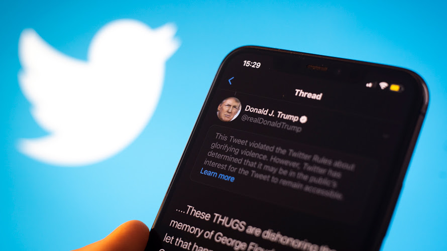 Donal Trump's tweet with Twitter logo